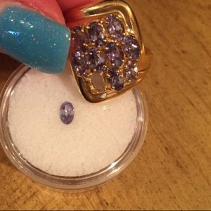 Jewelry - VTG solid 14kt Tanzanite Yellow gold ring